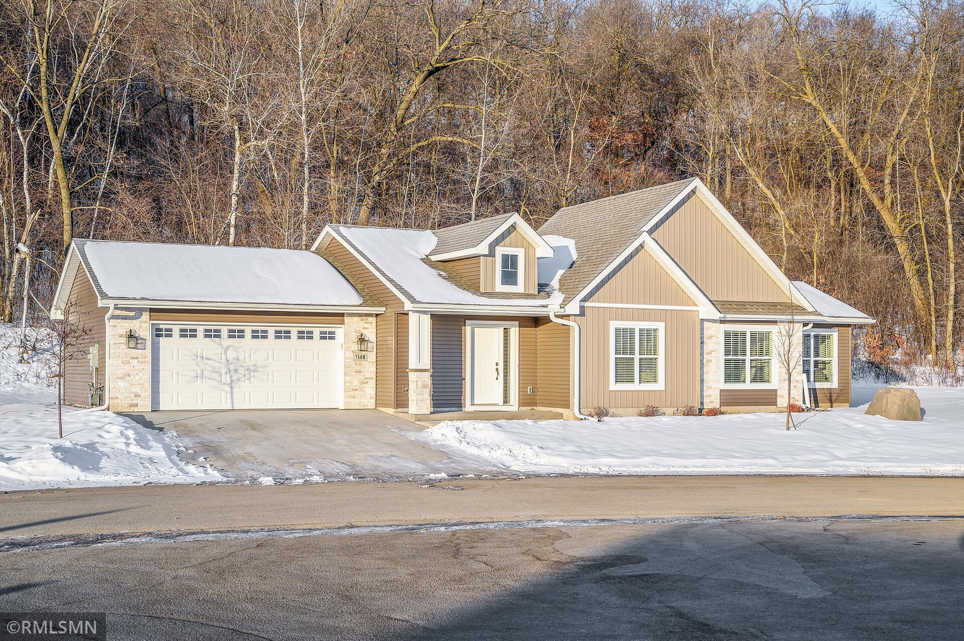 1148 Hewitt Boulevard Property Photo 1