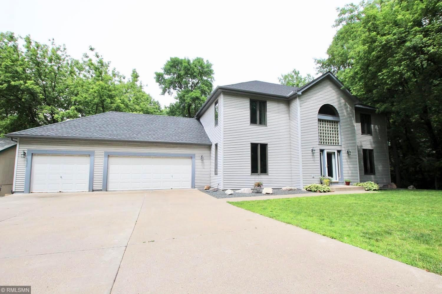 100 Valley High Property Photo - Burnsville, MN real estate listing