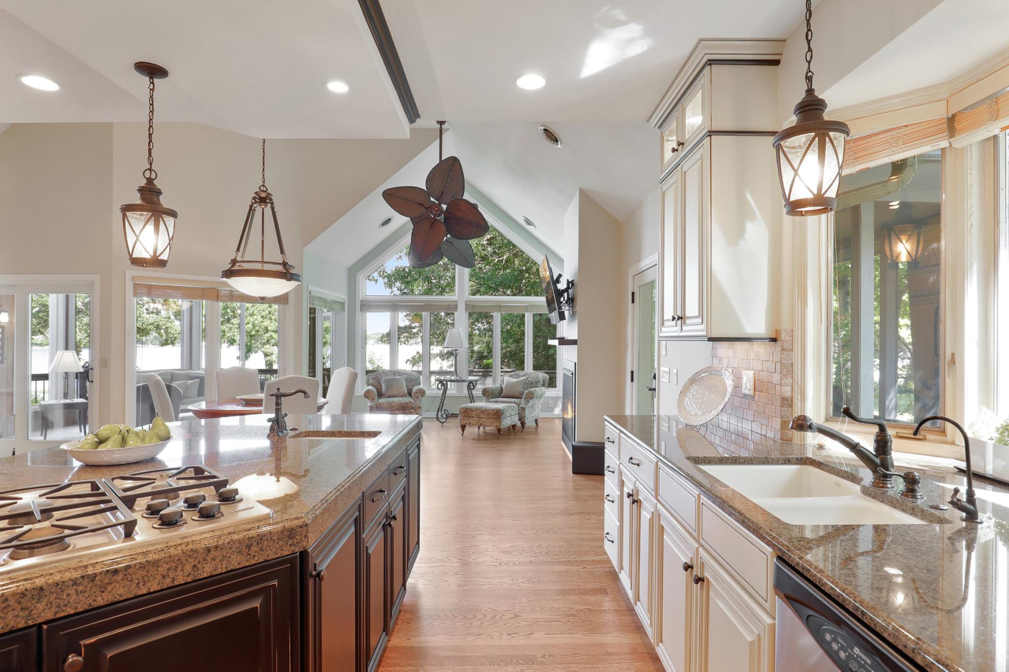 5650 Pineview Lane N Property Photo