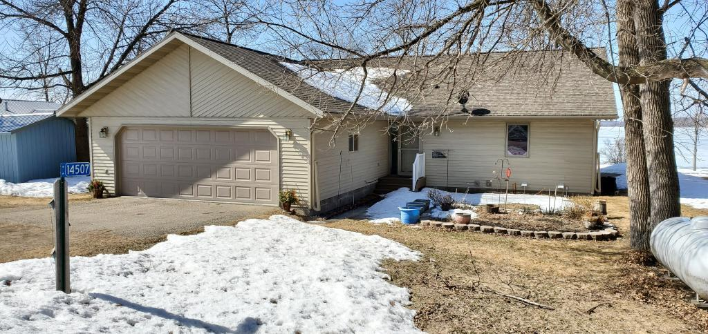14507 Eagle Lake Property Photo - Battle Lake, MN real estate listing