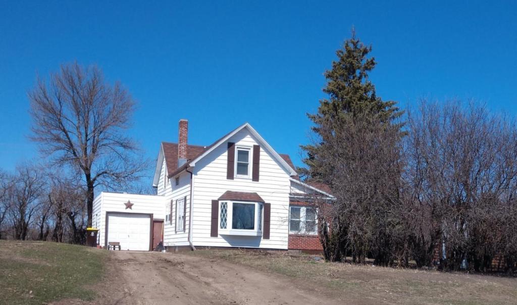 935 Lake Property Photo - Fairmont, MN real estate listing