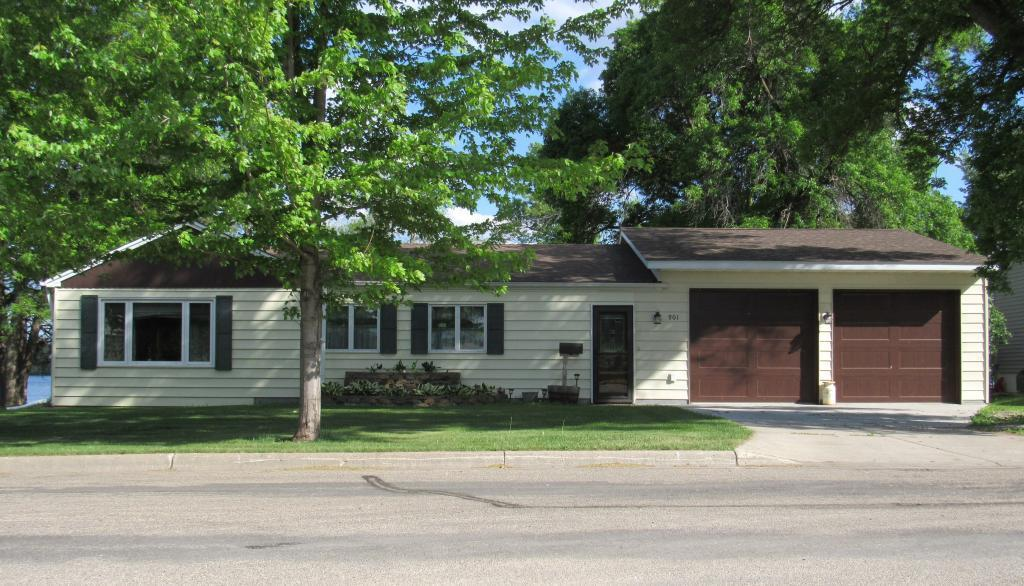 901 W 4th Street Property Photo - Morris, MN real estate listing