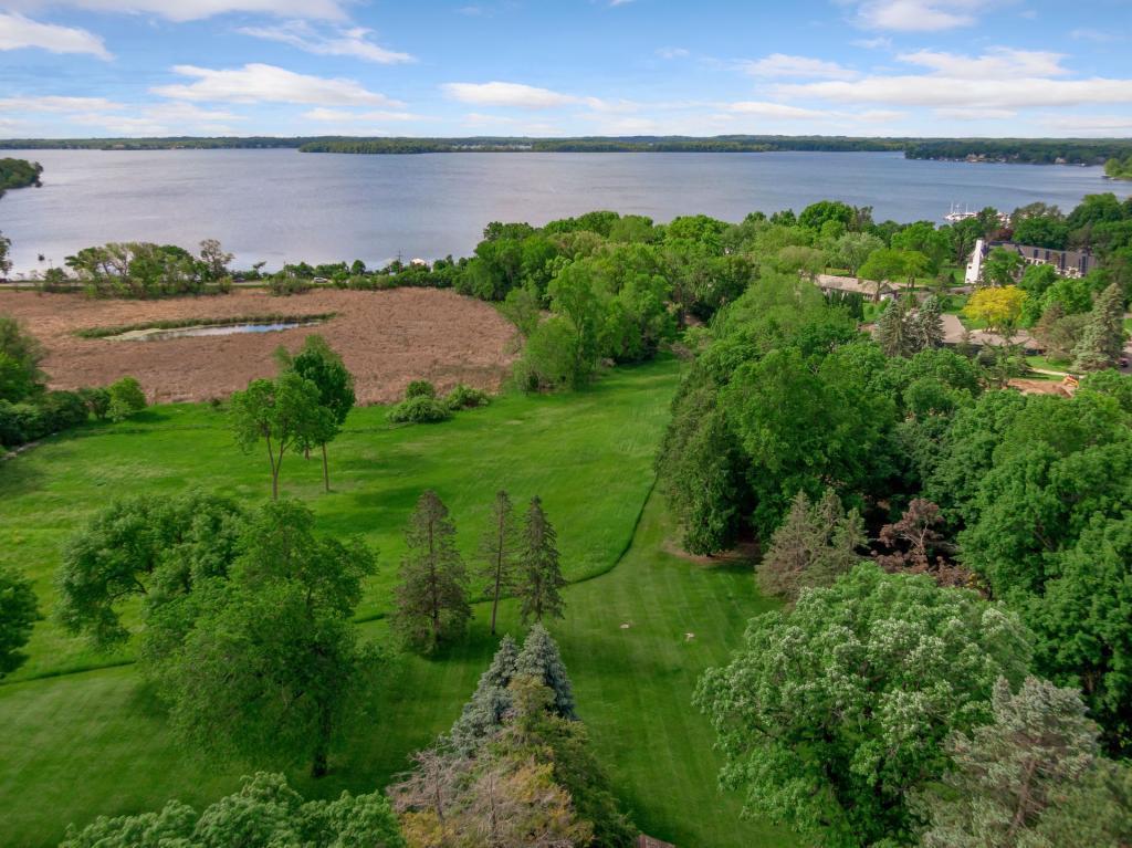 18xx Shoreline Property Photo - Orono, MN real estate listing