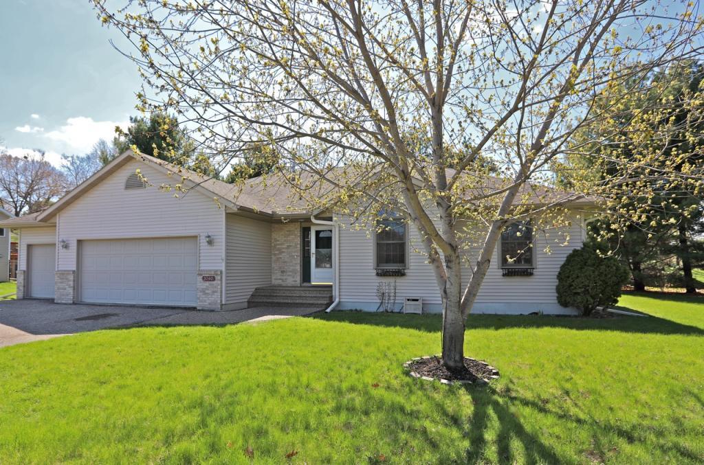 1040 Creekview Property Photo