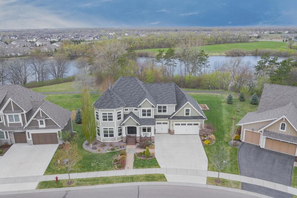 16643 Lake Property Photo