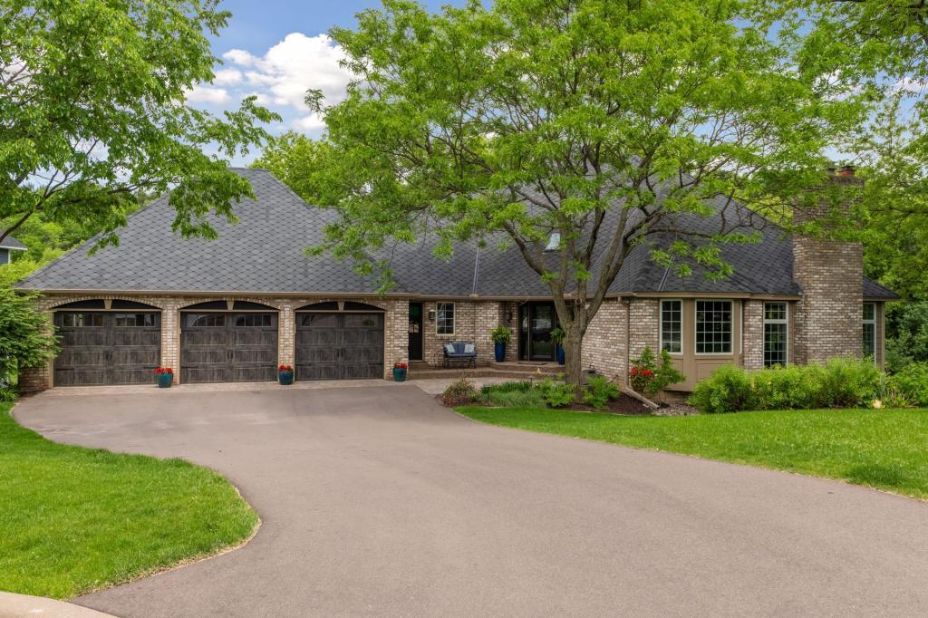 2085 Austrian Pine Property Photo - Minnetonka, MN real estate listing