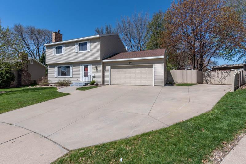 4017 Carol NW Property Photo - Rochester, MN real estate listing