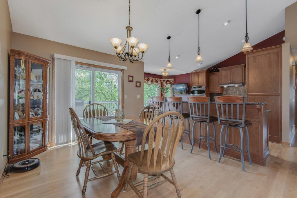 924 Ferndale S Property Photo - Maplewood, MN real estate listing