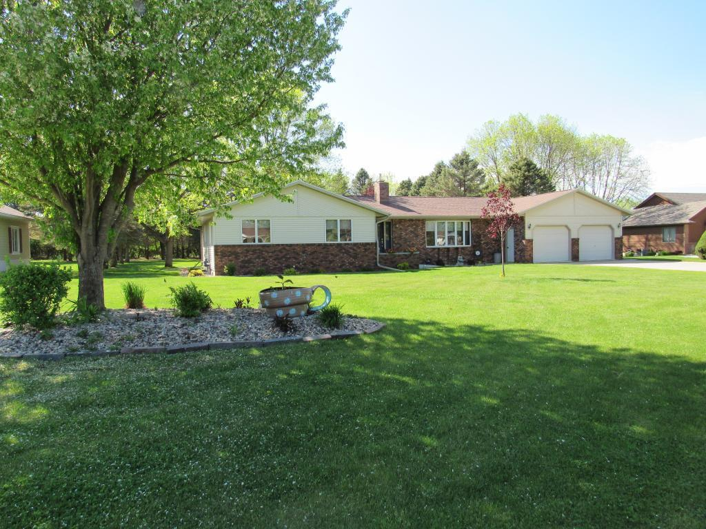 1019 Highland Property Photo - Blue Earth, MN real estate listing