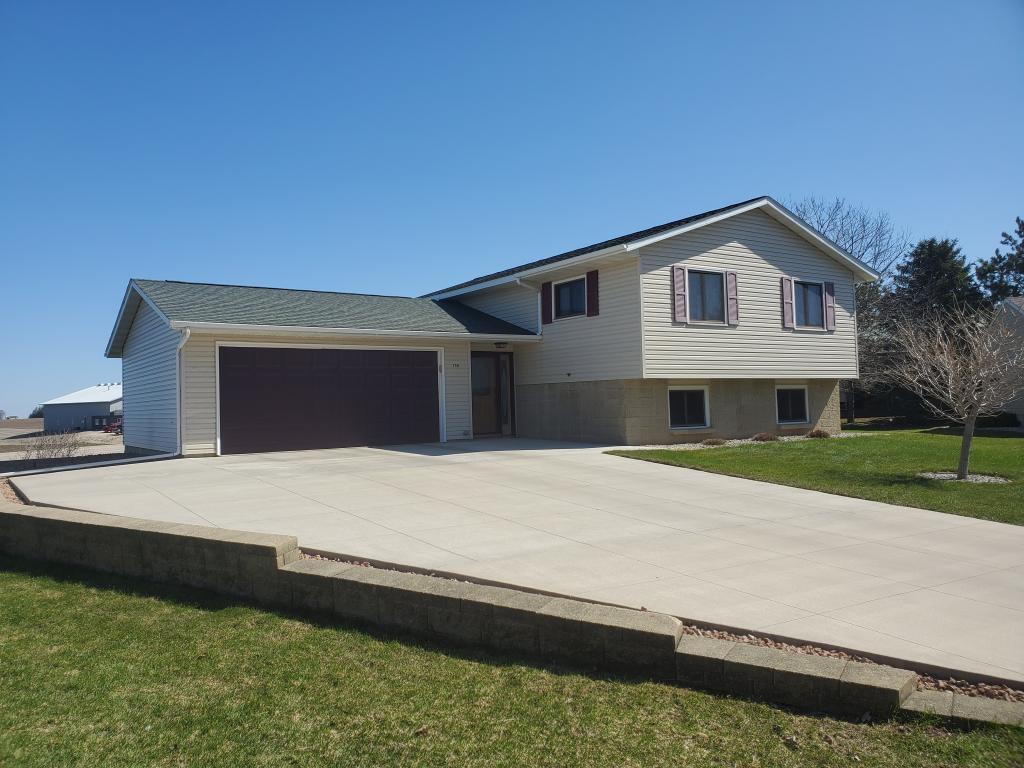 280 Cedar Property Photo