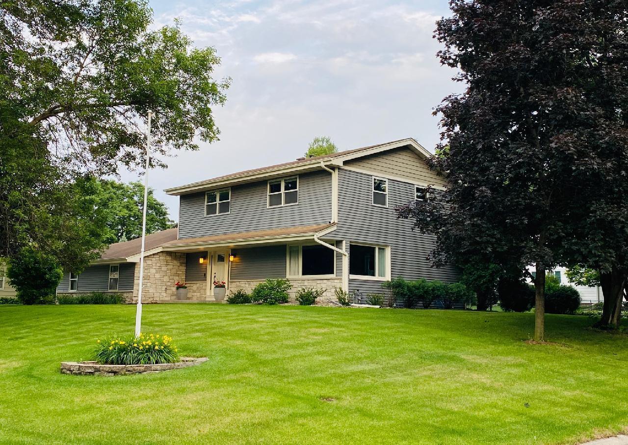 9637 Xerxes Circle S Property Photo - Bloomington, MN real estate listing