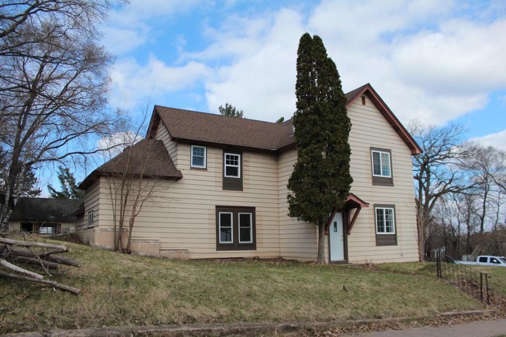 403 S Pine Street Property Photo