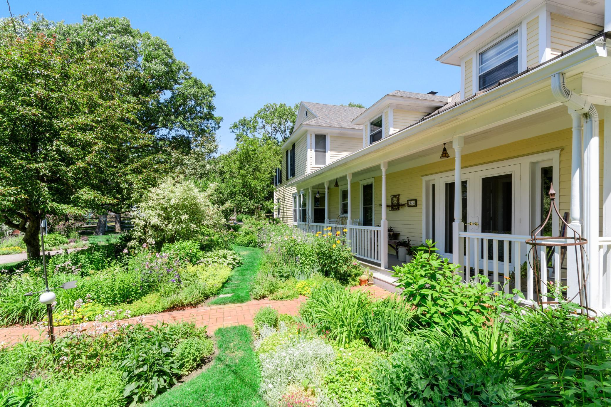 5650 50th Avenue Se Property Photo