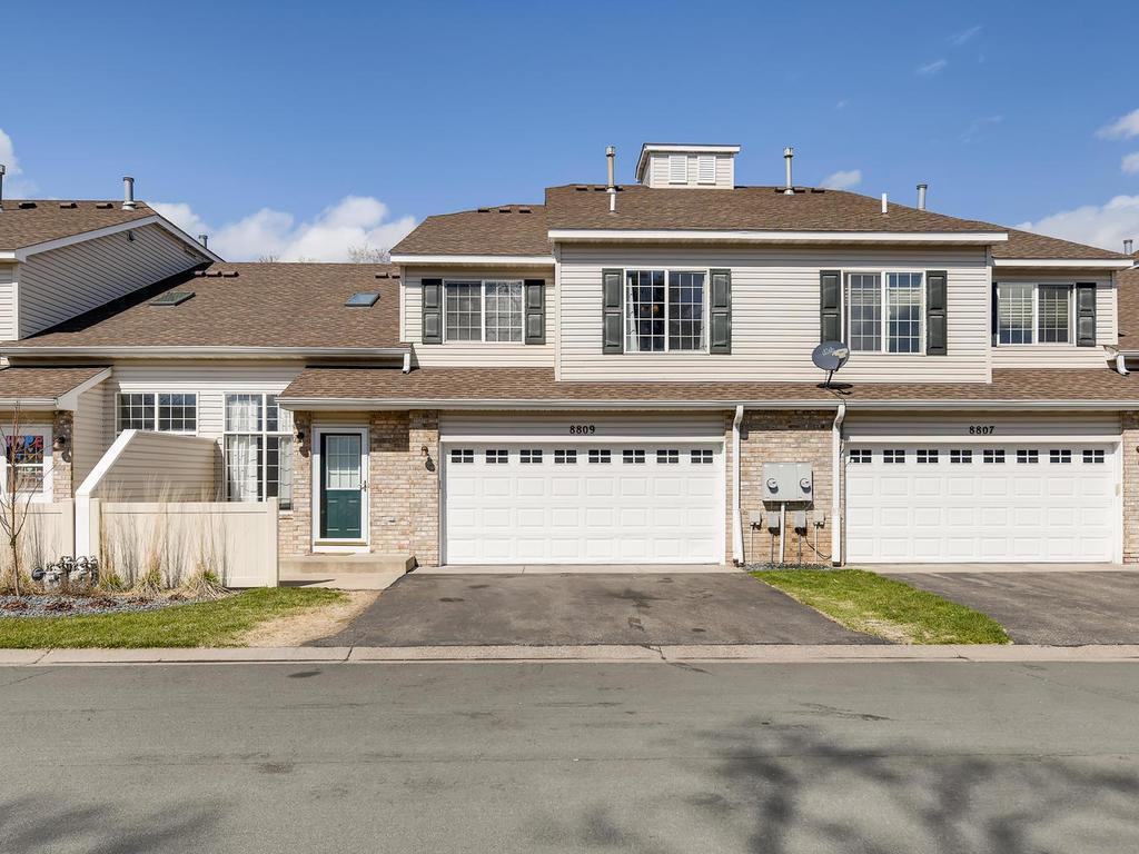8809 Hastings Cir NE Property Photo - Blaine, MN real estate listing