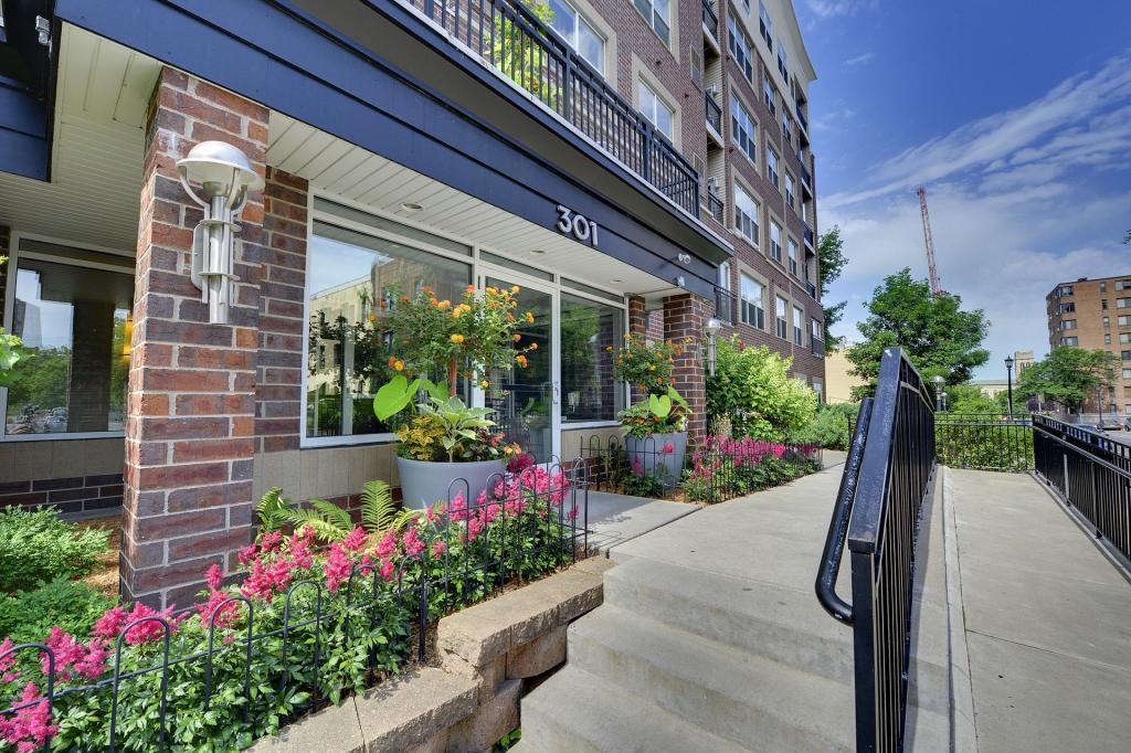 301 Oak Grove #214 Property Photo