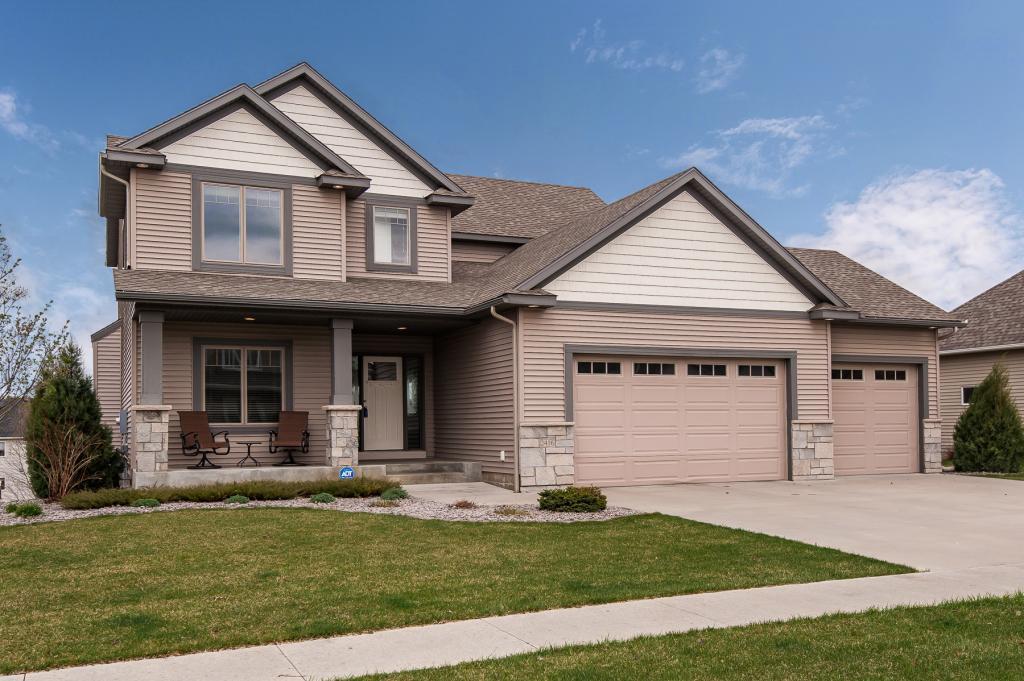 2416 Crimson Ridge NW Property Photo - Rochester, MN real estate listing