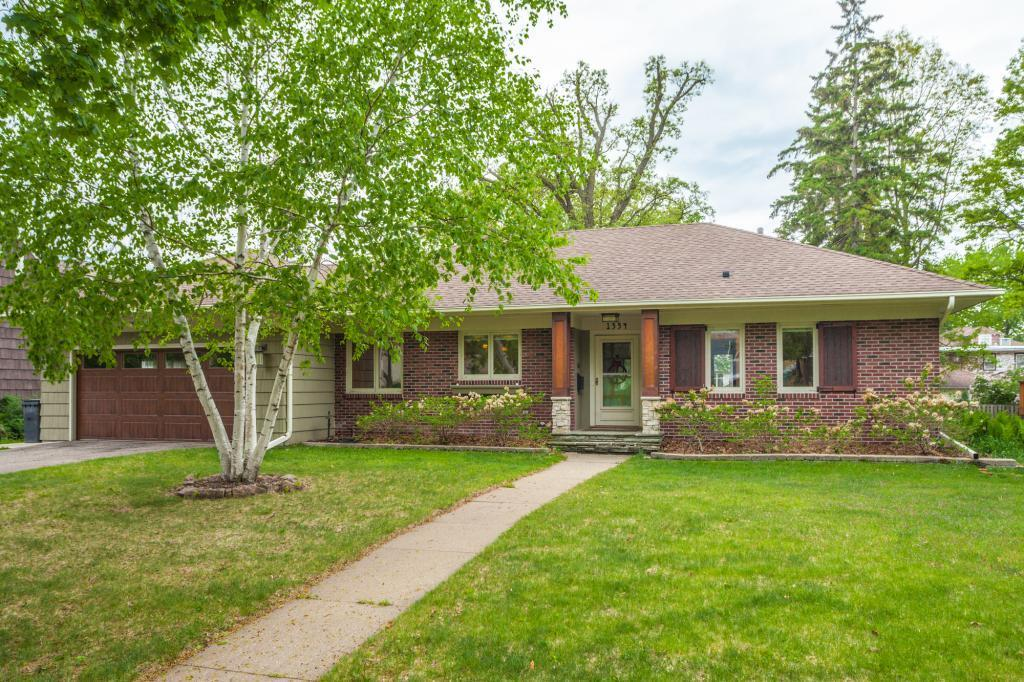 1554 E River Terrace Property Photo - Minneapolis, MN real estate listing