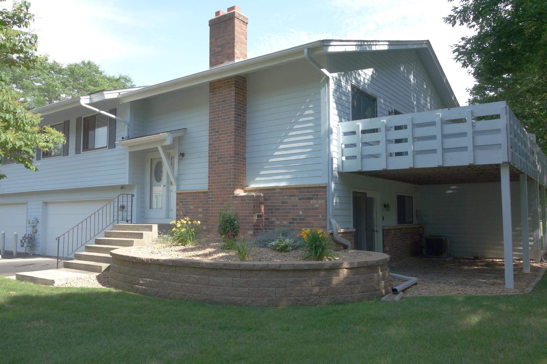 11224 Vessey Property Photo