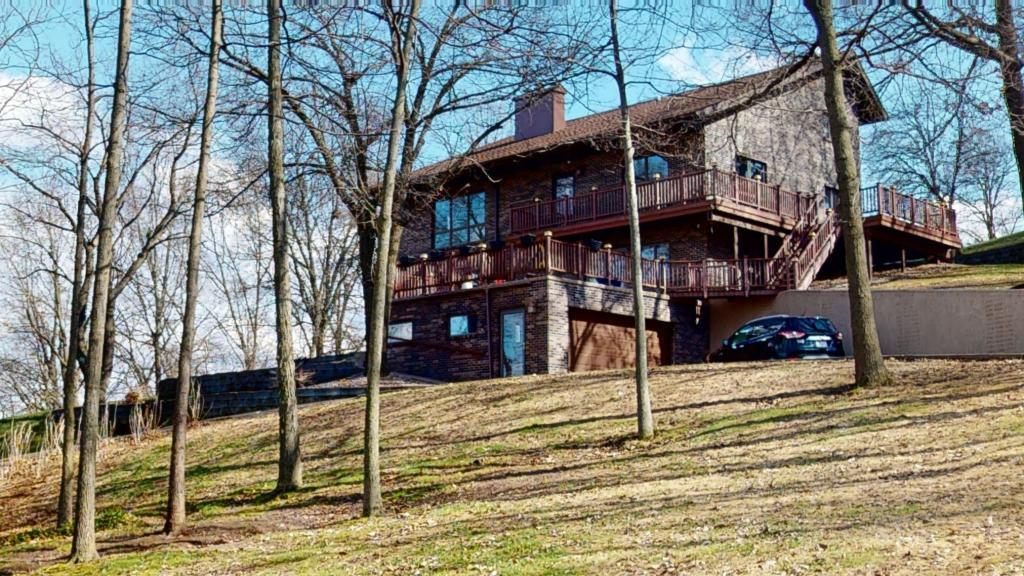 Galesville Real Estate Listings Main Image