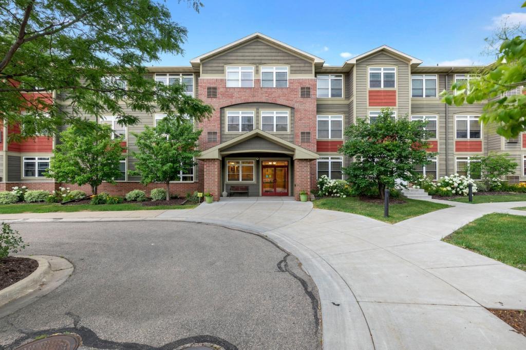 2530 34th #204 Property Photo
