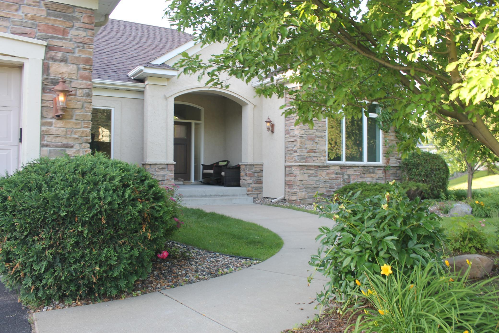 2590 Woods N Property Photo - Burnsville, MN real estate listing