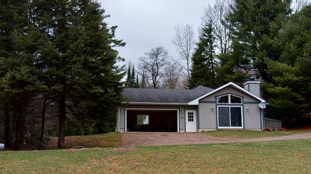 4035 North Clover Property Photo - Draper Twp, WI real estate listing