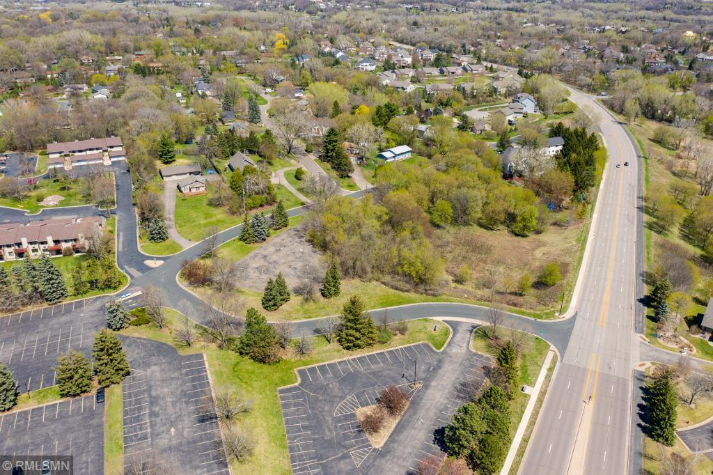 13901 St Andrews Drive Property Photo - Eden Prairie, MN real estate listing