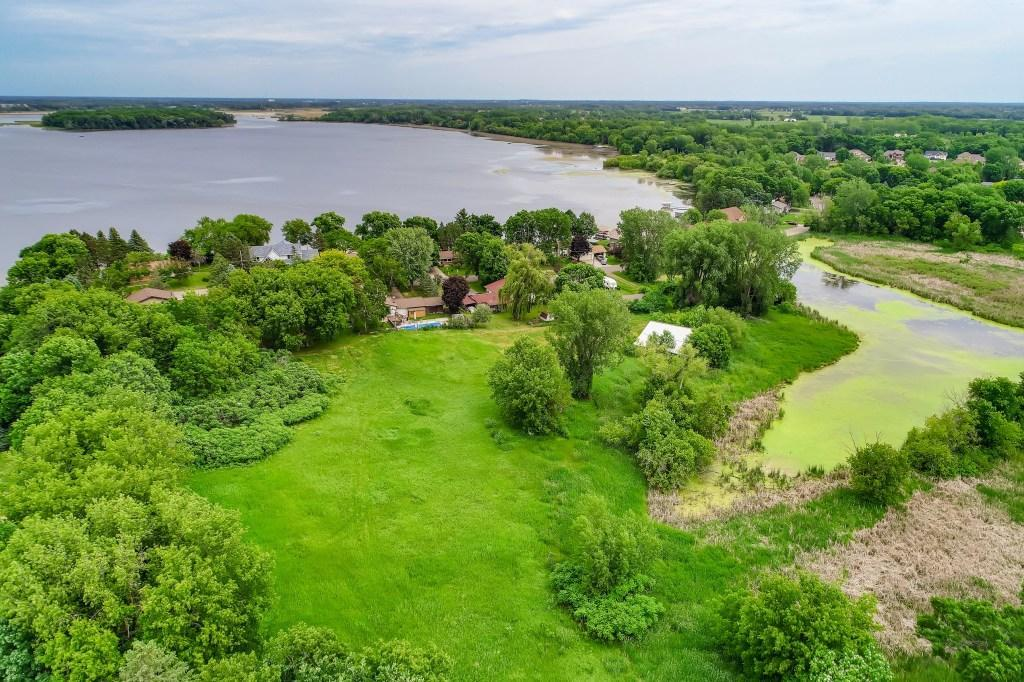 16xx Peltier Lake Drive Property Photo - Centerville, MN real estate listing
