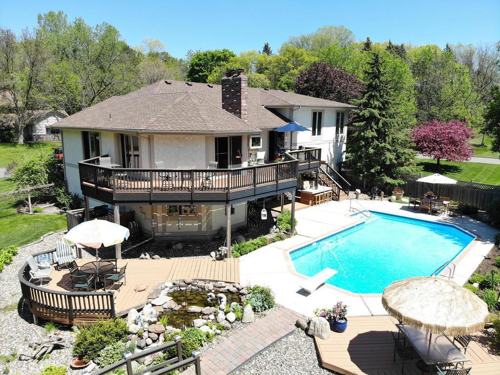 14901 Wychewood Property Photo - Minnetonka, MN real estate listing