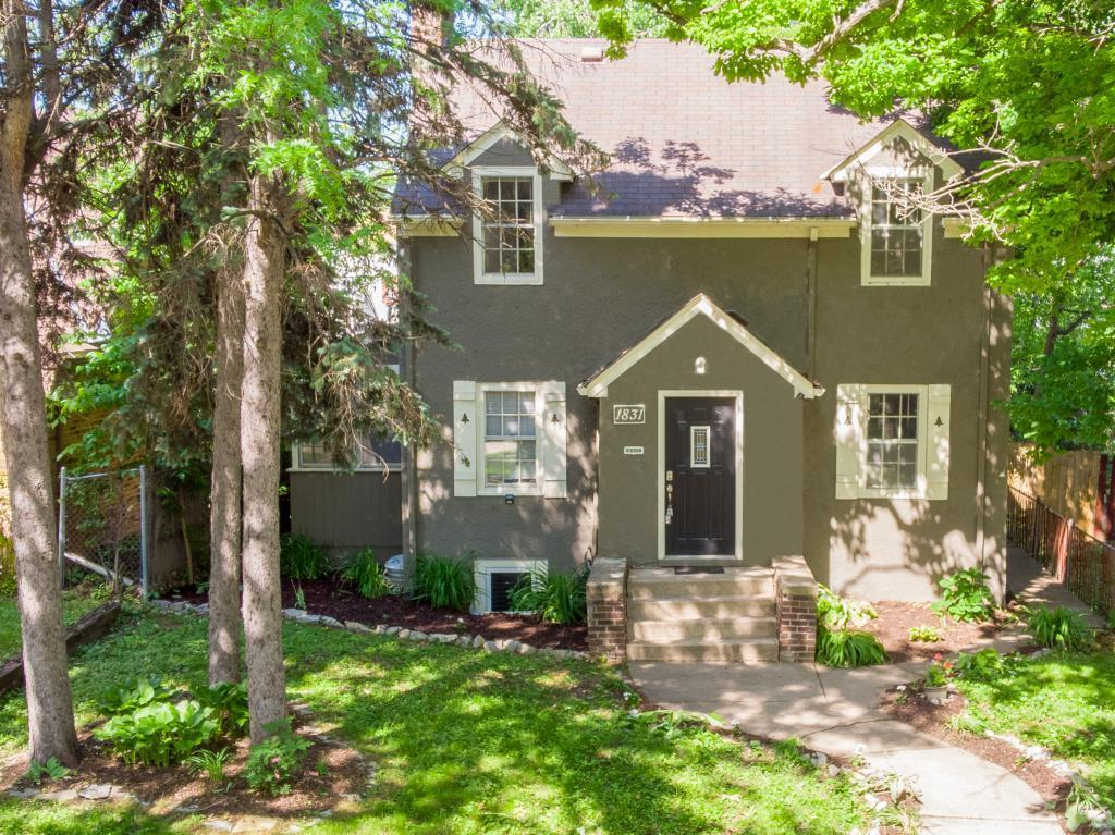 1831 Oliver N Property Photo - Minneapolis, MN real estate listing