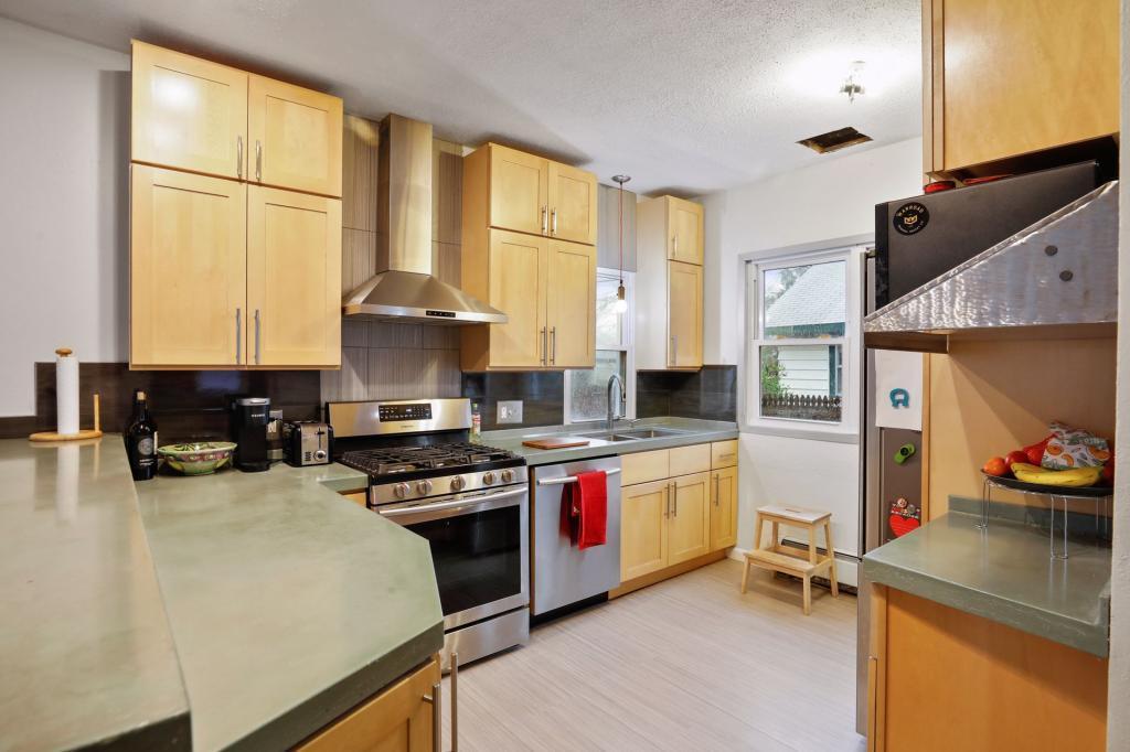 3820 36th Property Photo - Minneapolis, MN real estate listing