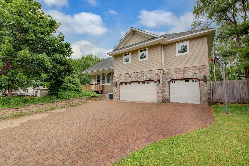 9221 Oakland Avenue S Property Photo - Bloomington, MN real estate listing