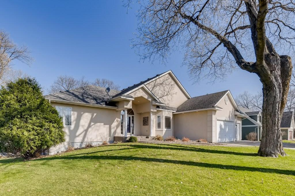 8412 Waters Edge Property Photo - Chanhassen, MN real estate listing