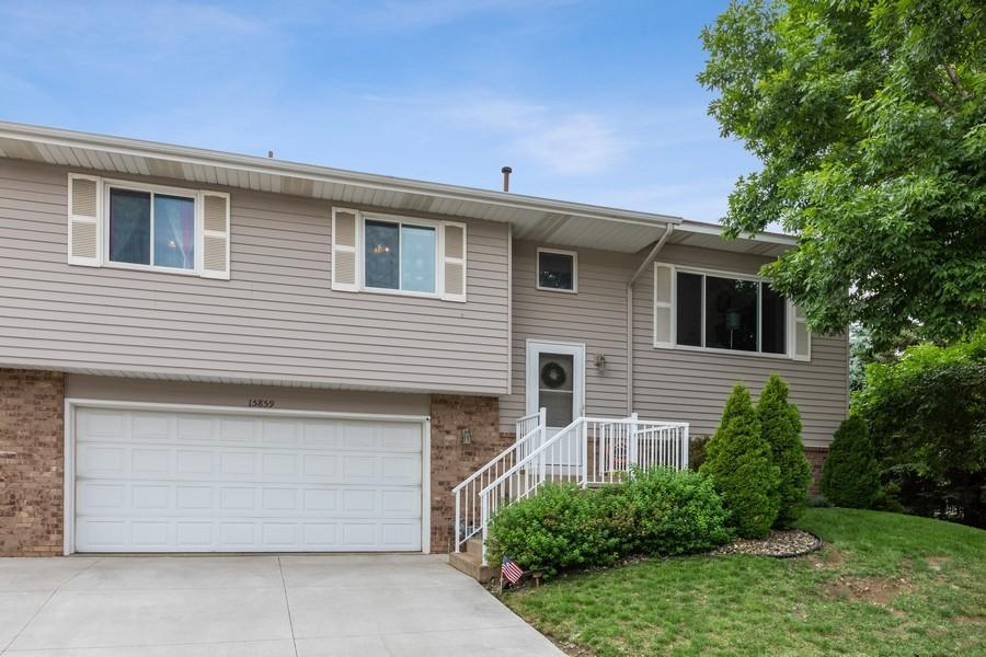 15859 Gooseberry Way Property Photo - Apple Valley, MN real estate listing