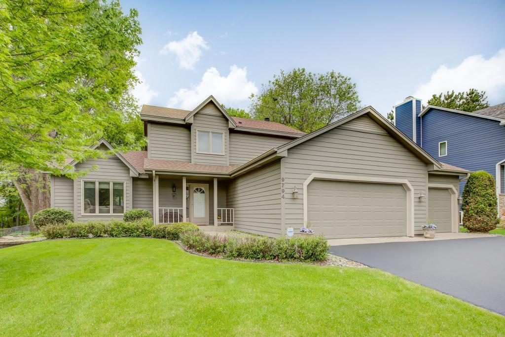 9794 Woodridge Property Photo