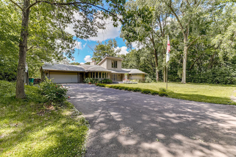 1800 Dwinnell Property Photo - Mahtomedi, MN real estate listing