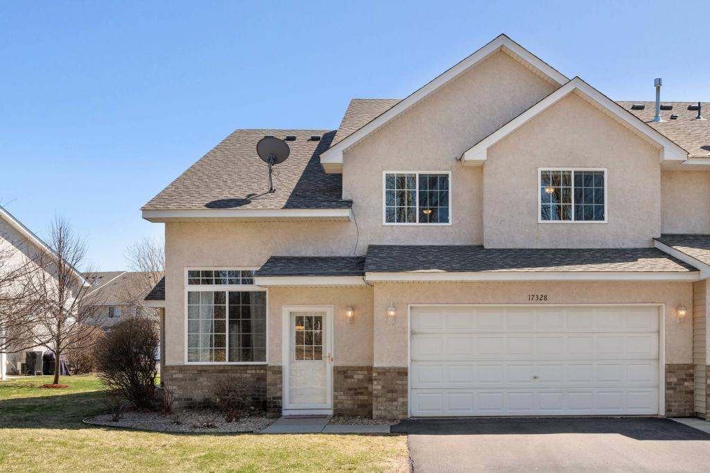 17328 Lilac SE Property Photo