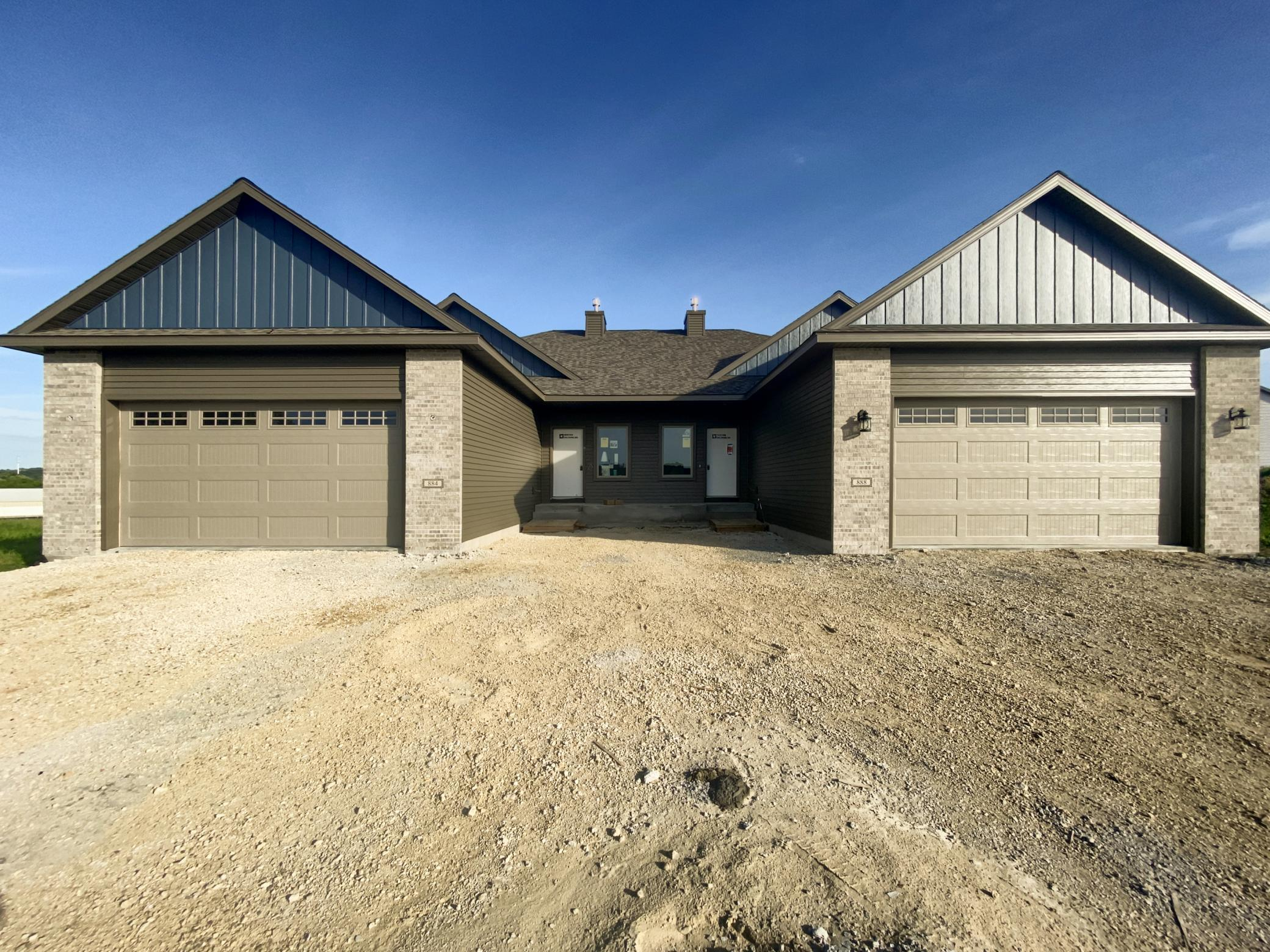 888 Picadilly NW Property Photo - Rochester, MN real estate listing
