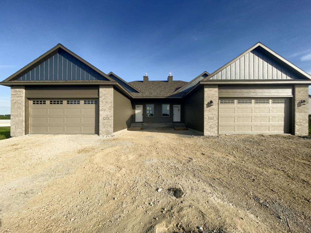 884 Picadilly NW Property Photo - Rochester, MN real estate listing