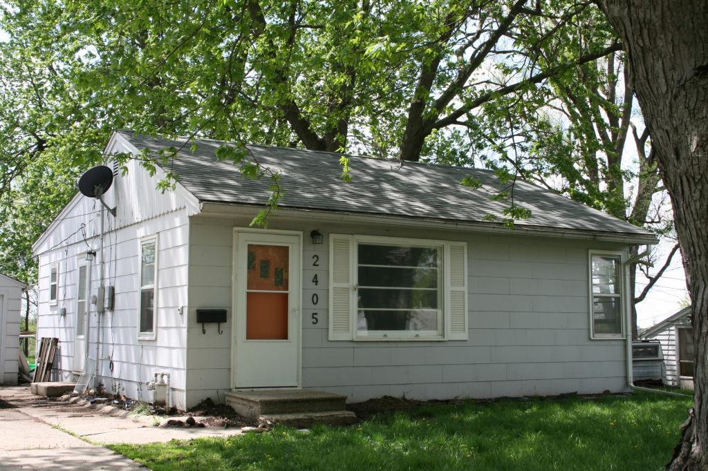 2405 8th E Property Photo - Newton, IA real estate listing