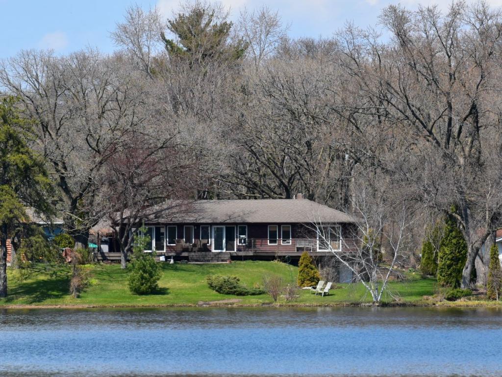 7805 Gloria Property Photo - Mounds View, MN real estate listing
