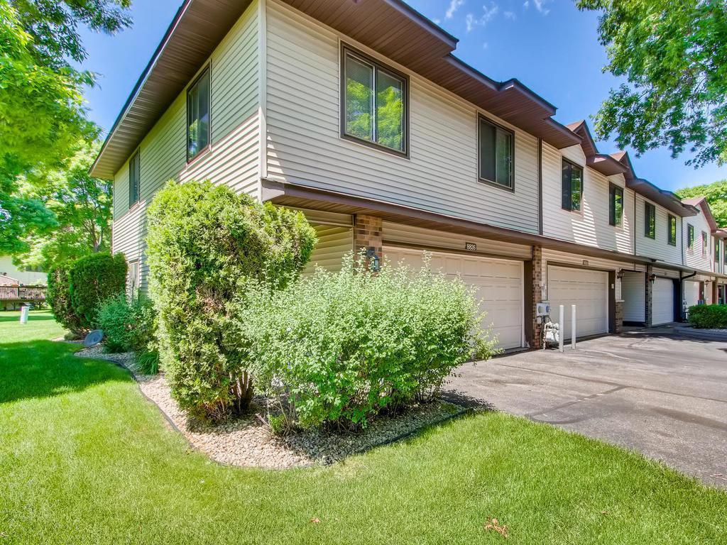 8826 Maplebrook Property Photo