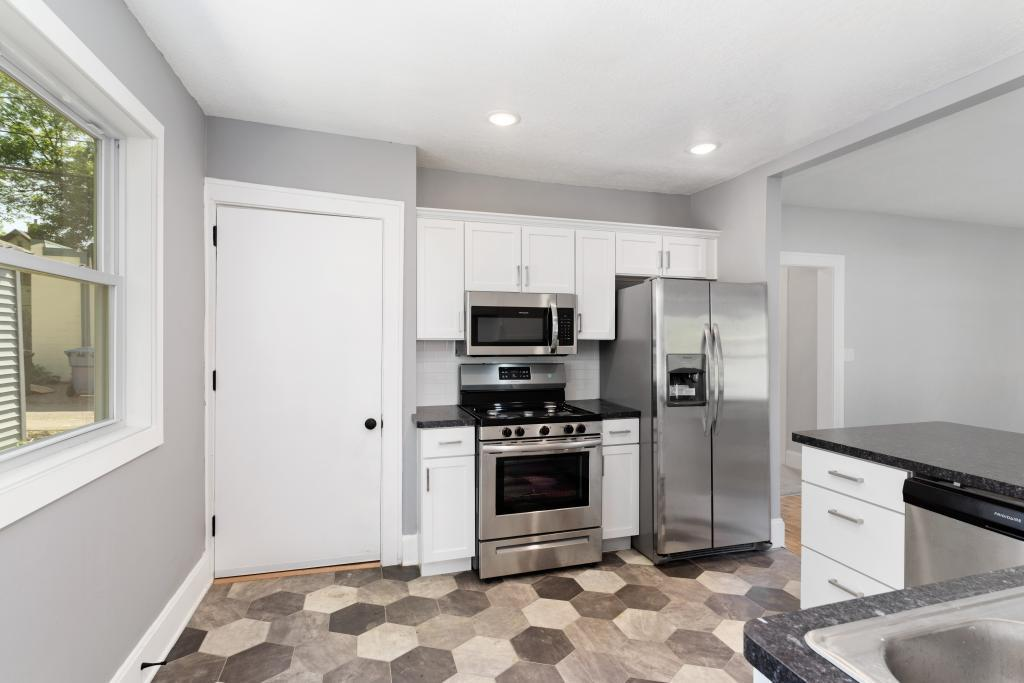 2212 36th Avenue N Property Photo - Minneapolis, MN real estate listing