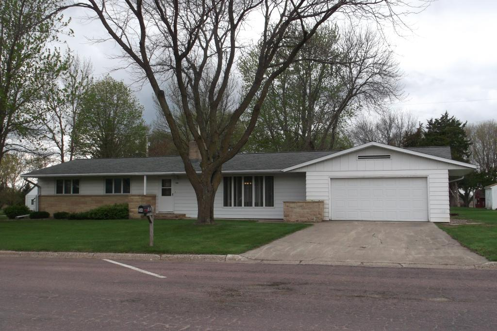 114 7th Property Photo - Kiester, MN real estate listing