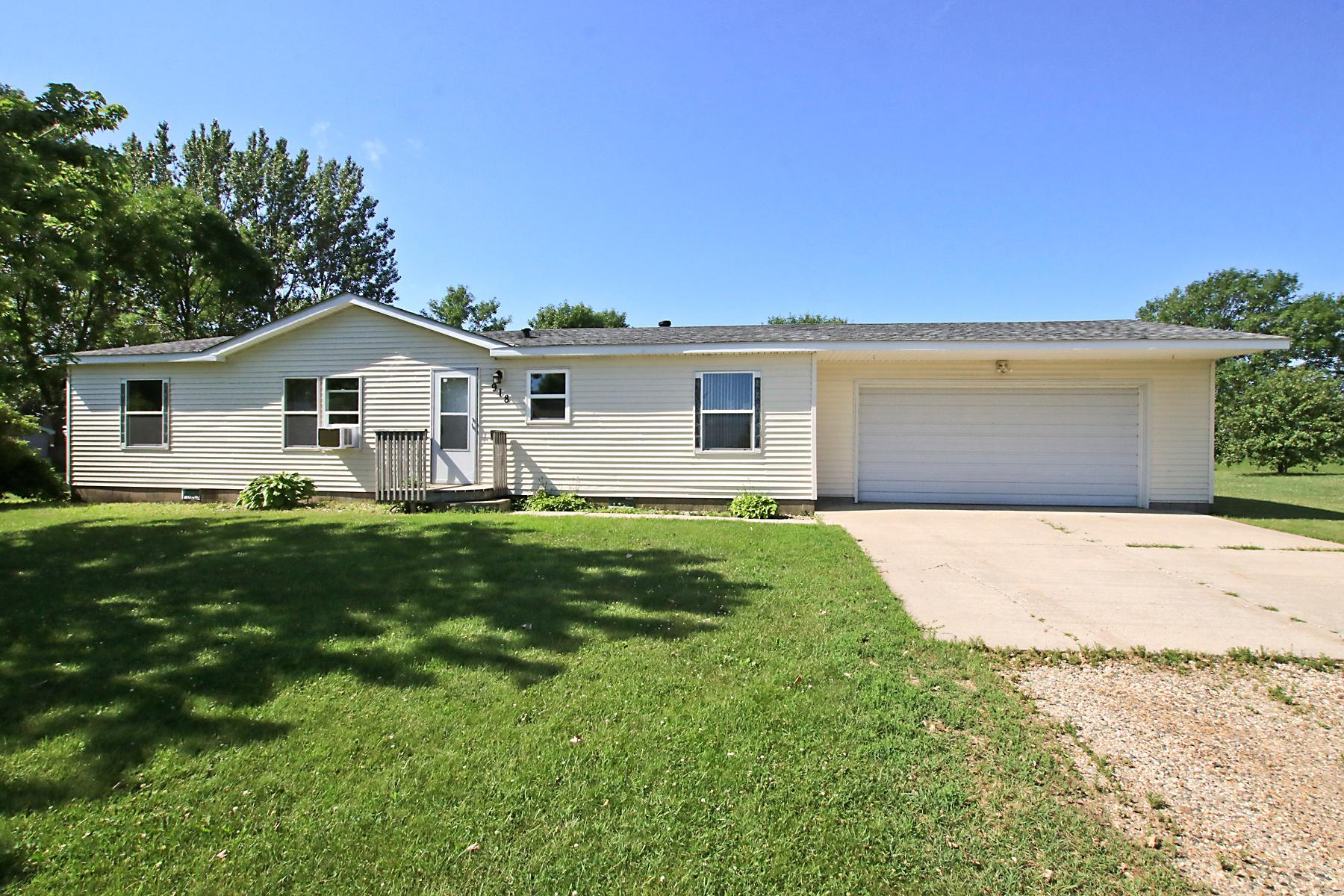 918 Birch Avenue W Property Photo - Hector, MN real estate listing