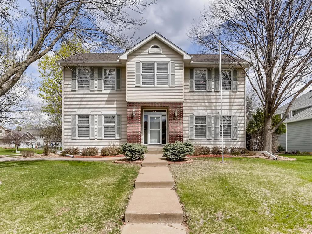 99 Berwick Property Photo - Mahtomedi, MN real estate listing