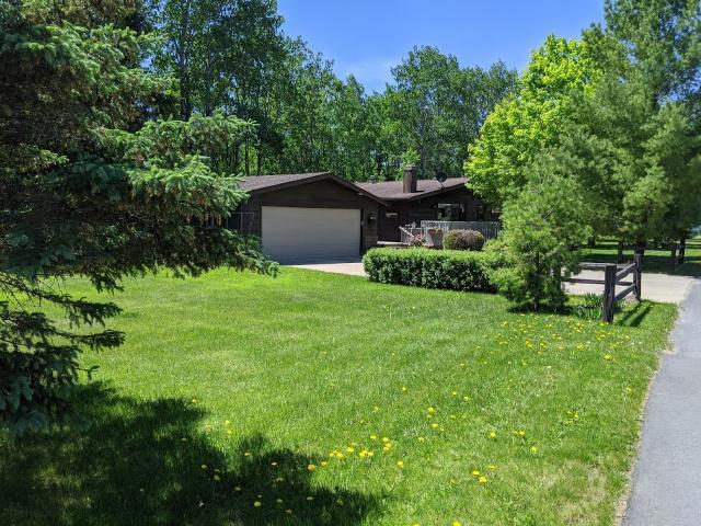 3100 Crescent Drive Property Photo - International Falls, MN real estate listing
