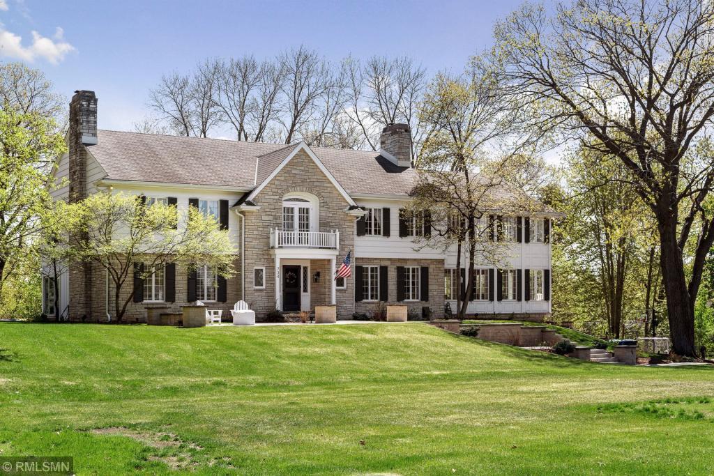 734 Woodridge Property Photo