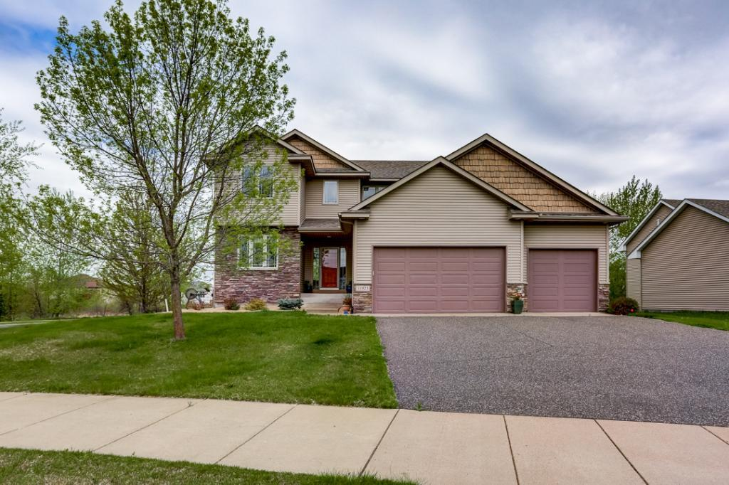 11923 Mayview Property Photo - Lindstrom, MN real estate listing