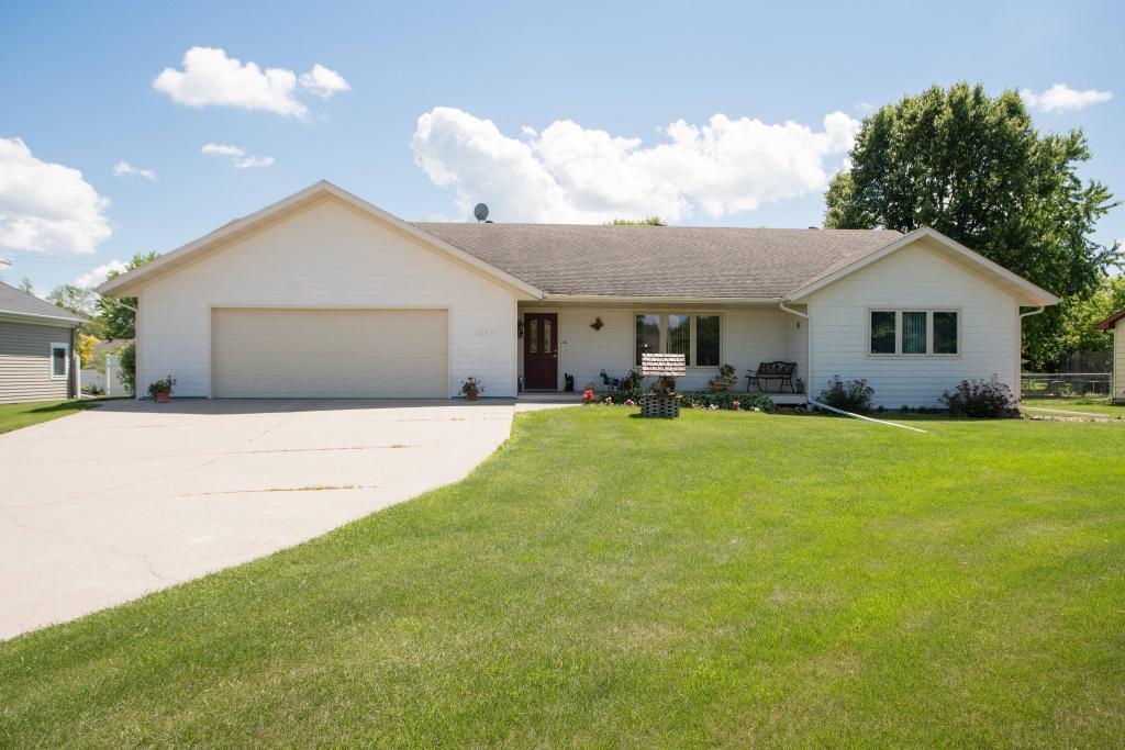 104 E Hillside Avenue Property Photo - Fergus Falls, MN real estate listing